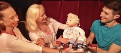 """""""Άτα με τη γάτα"""" από το Θέατρο Κούκλας της Ιρίνα Μπόικο"""